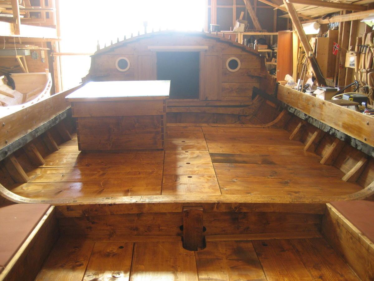 Dragens Vinge, bygd 2009. Torskgarnsbåten er en romslig og praktisk turbåt. (Foto/Photo)