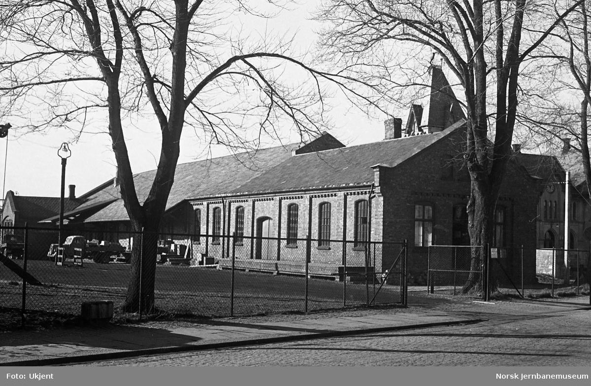 Halden stasjon, godshuset