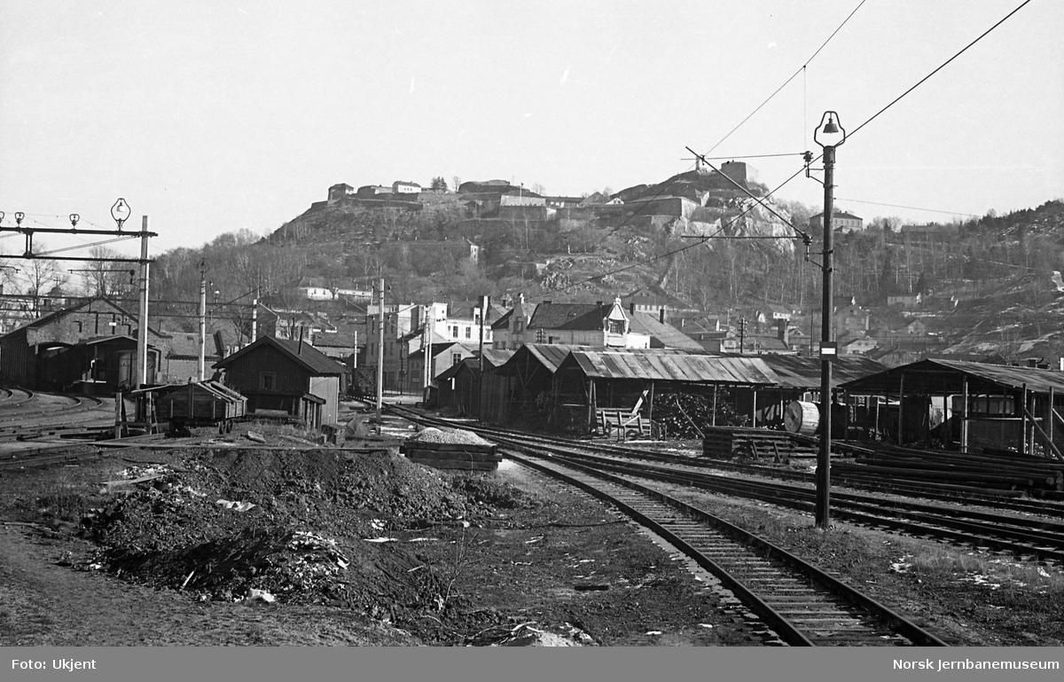 Halden stasjon, sporområder og skur