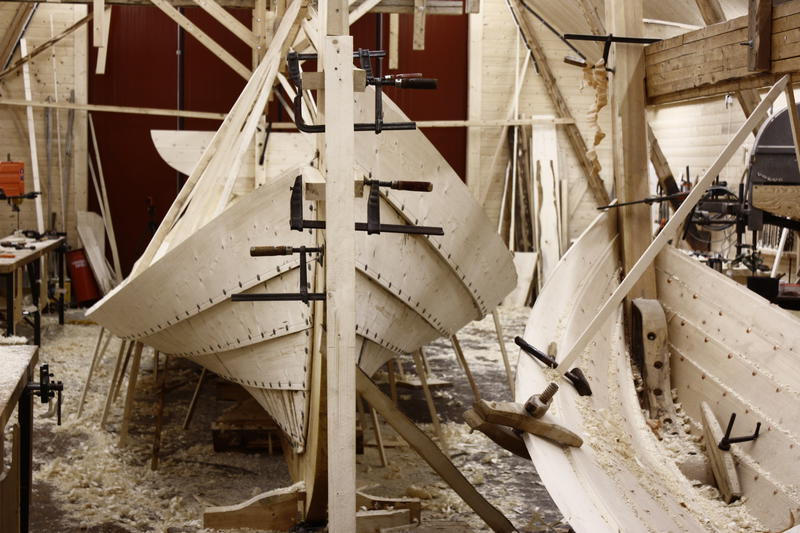 An åfjord boat and a sjark in the making. (Foto/Photo)