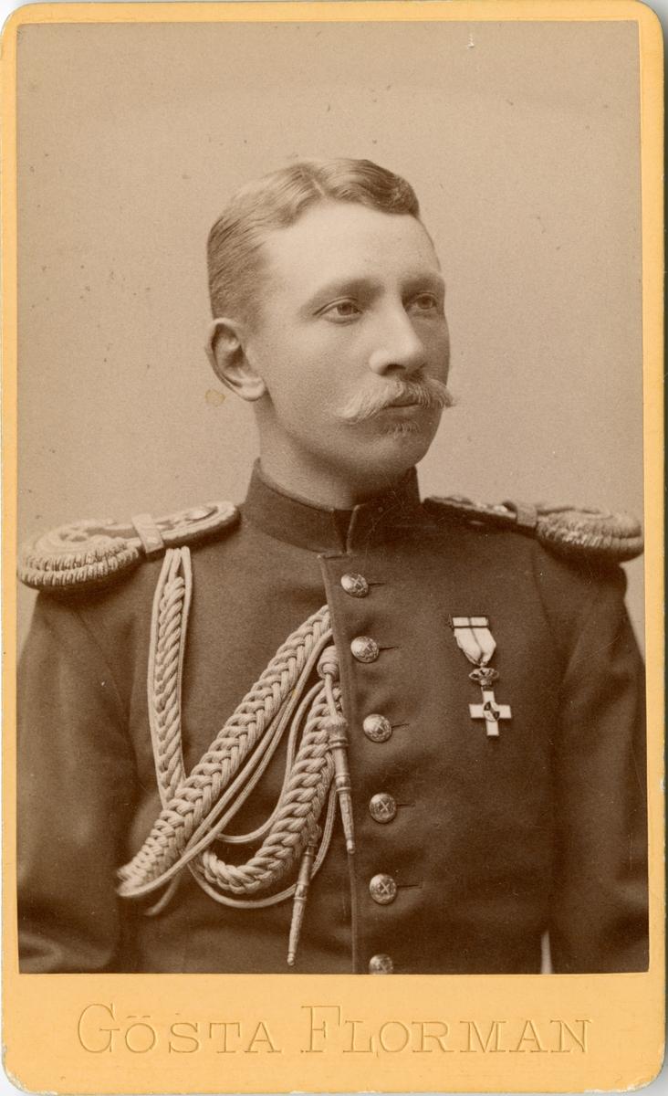 Porträtt av Carl August Hugo Jungstedt, aspirant vid Generalstaben. Se även AMA.0007667.