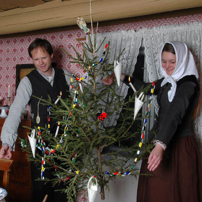 Julepyntet stue på Enerhaugen 2005. Foto/Photo