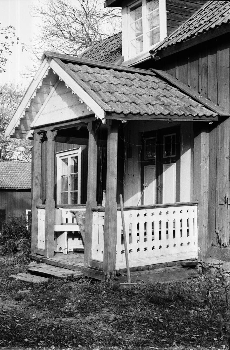 Förstukvist på bostadshus, Bräcksta 2:5, Tensta socken, Uppland 1978