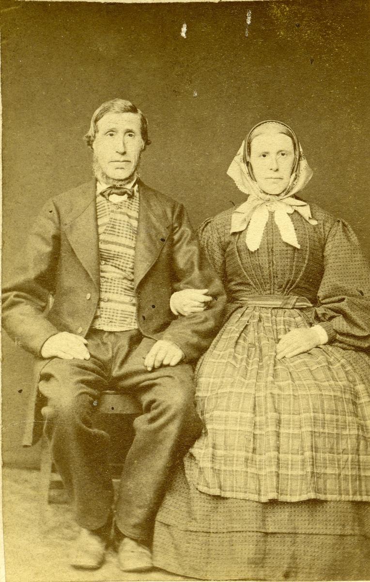 Portrett av Mikjel Reiarson Dølven og hans kone Marit Arnesdatter Øyhus.