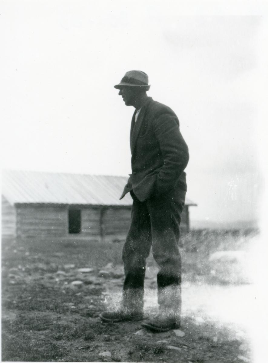 Portrett av Hermand Bøen på Hellebekksetra i Valdres.