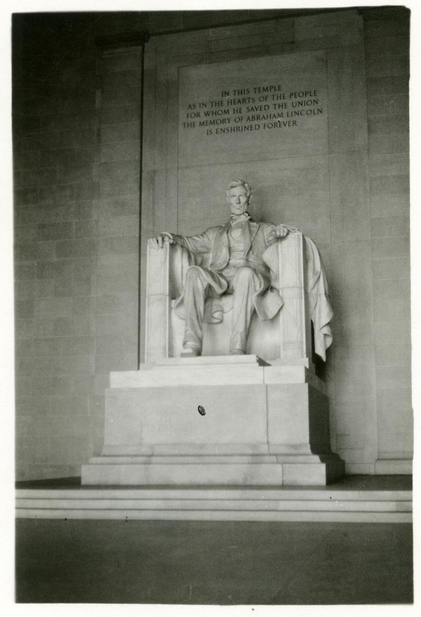Byste av Lincoln.