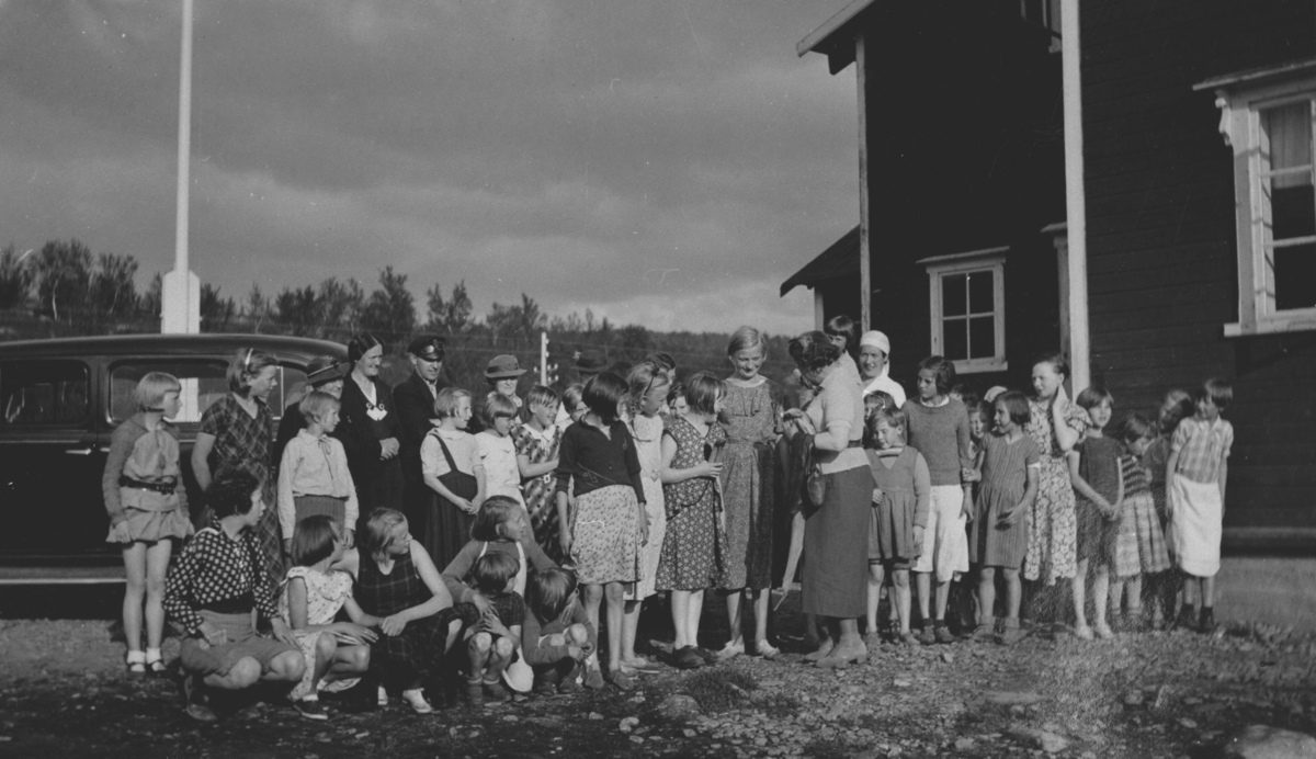 Norske kvinners sanitetsforenings feriekoloni i Repparfjord ca i 1936.