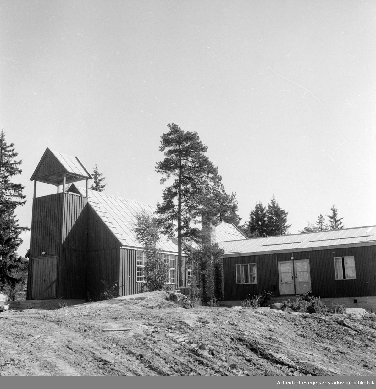 Lambertseter kirke. August 1955