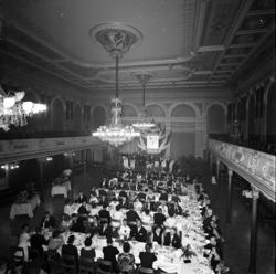 Jubileumsfest i Stadshussalongen för hundraåriga firman Strö