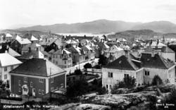 Kirkelandet sett fra berget i nord  for Werringvillaen i Chr