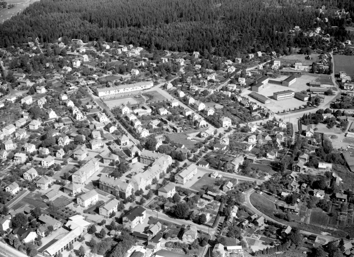 Värmland från luften 1956: Kristinehamn, Villastan