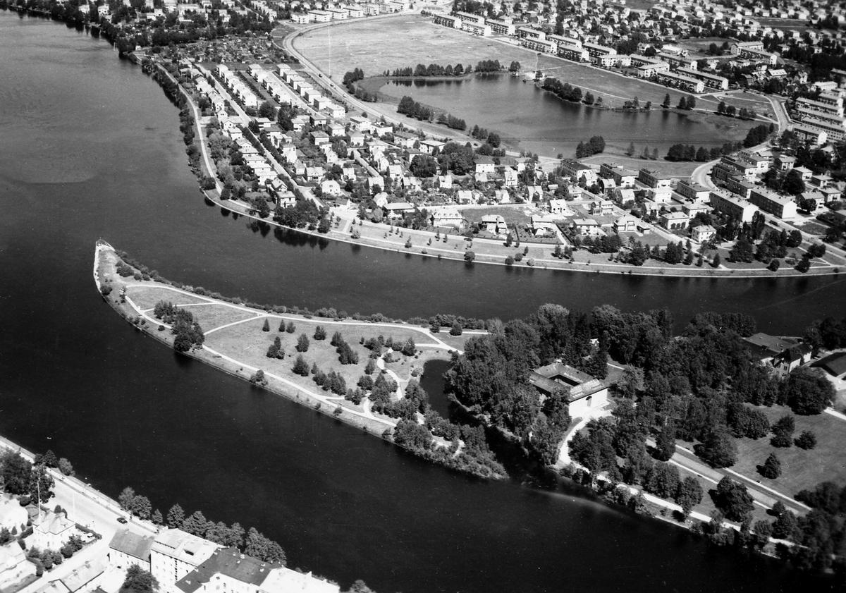 Vy över Sandgrundsudden och Sundsta runt 1950.