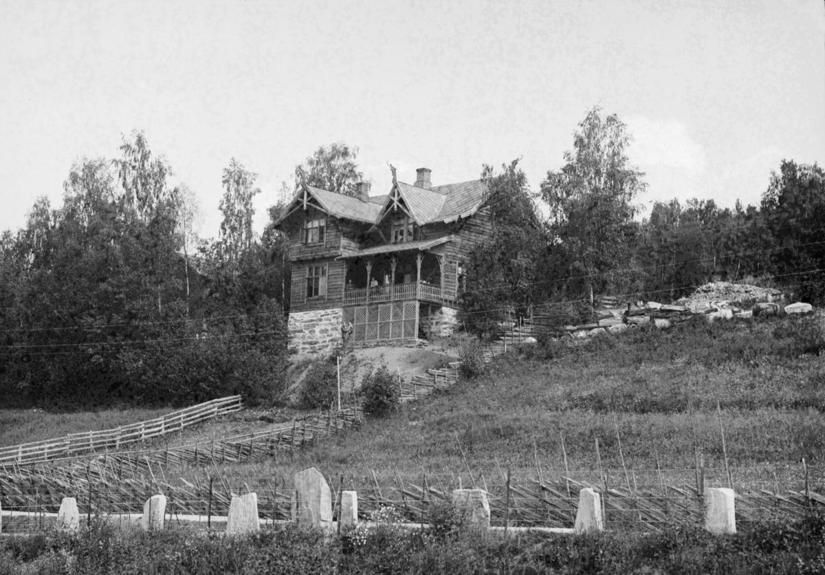 Fronheim. H. H. Lies hjem.