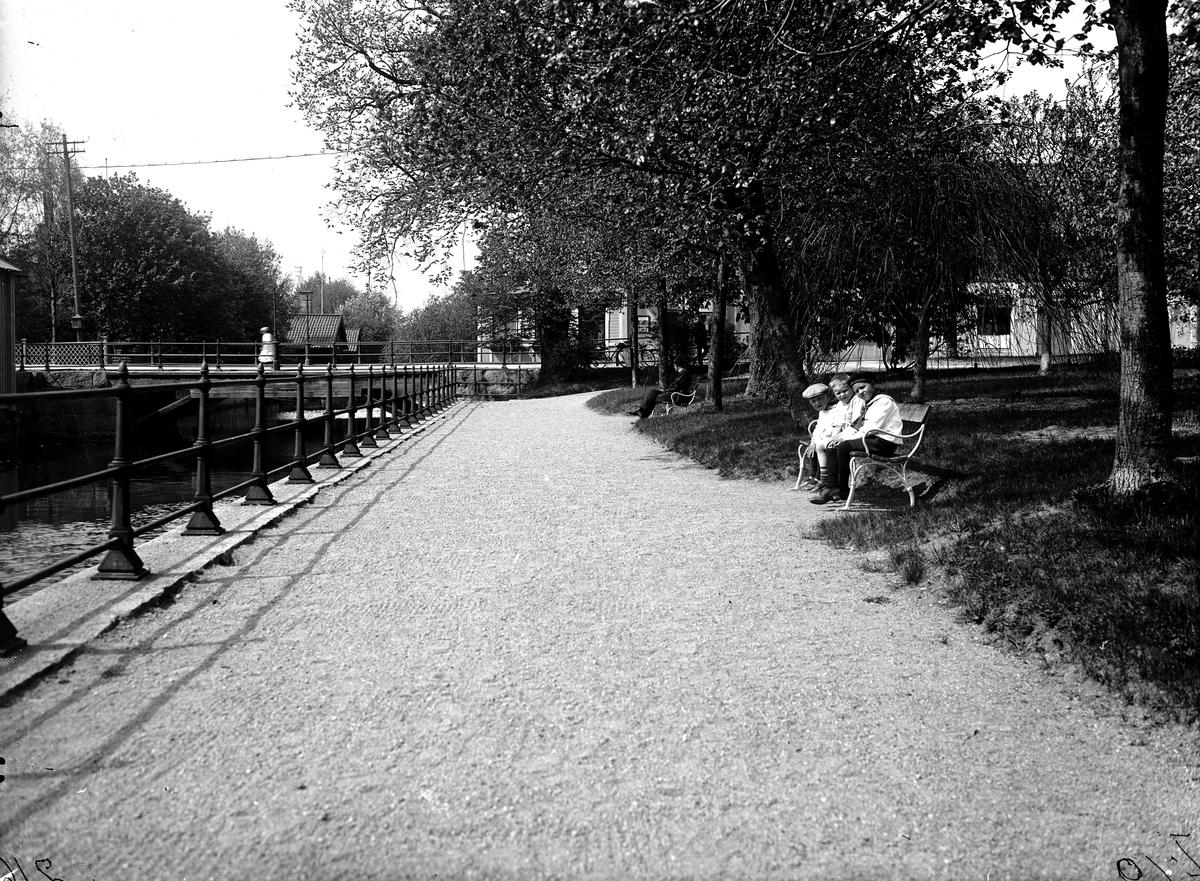 Hökartorget, Strömparken.