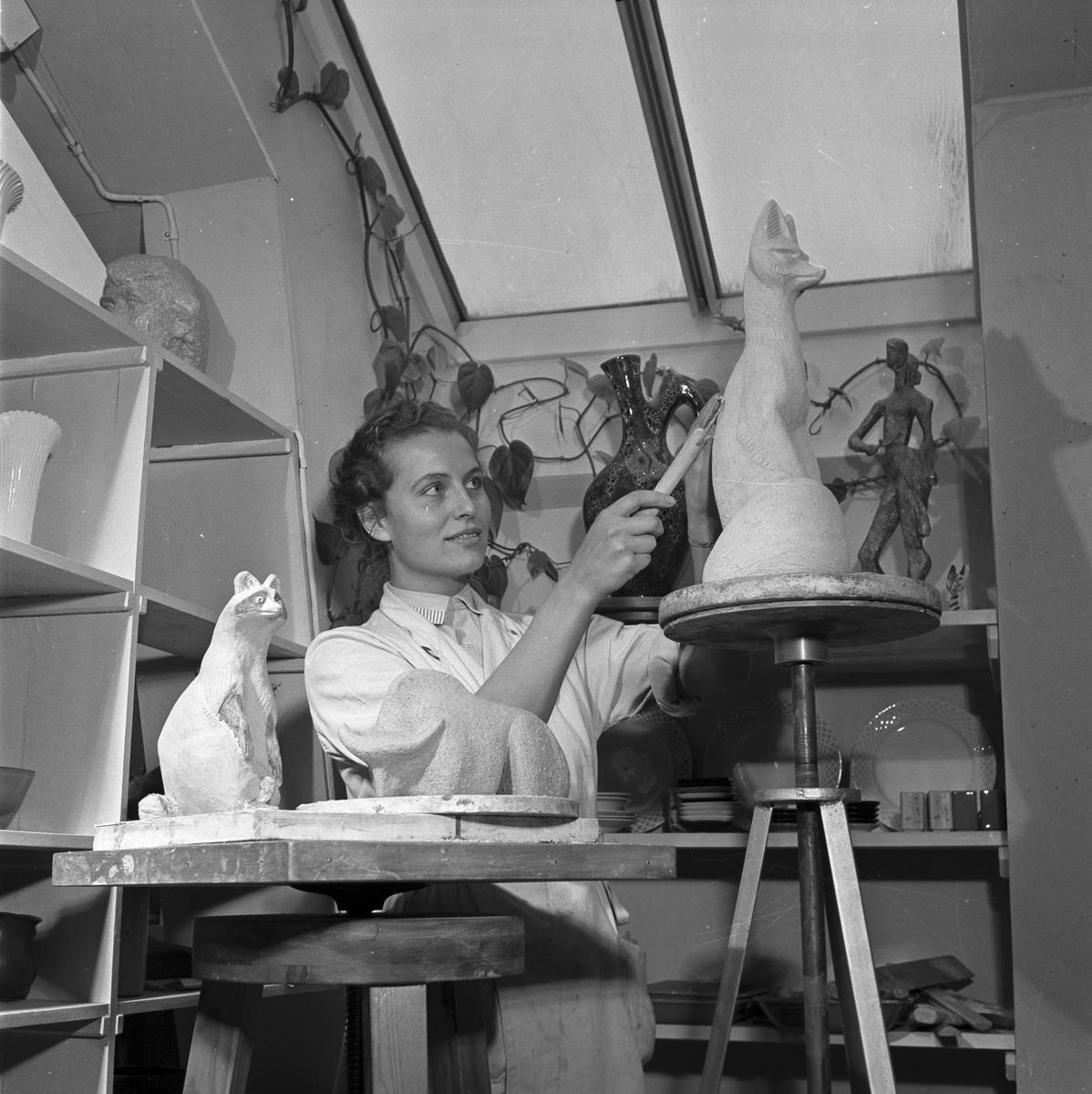 Gefle Porslinsfabrik. 26 november 1955. Tidningen Köpmannen, Stockholm. Redaktör Lindholm.