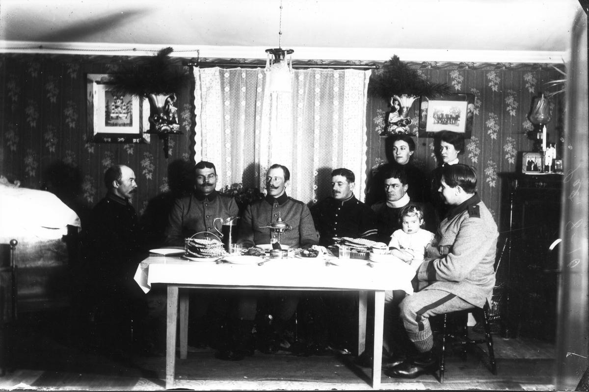 Okända soldater i Lenningetrakten under första världskriget.