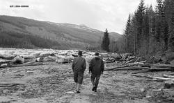Isgang ved Sundfloen i Stor-Elvdal i begynnelsen av mai 1963