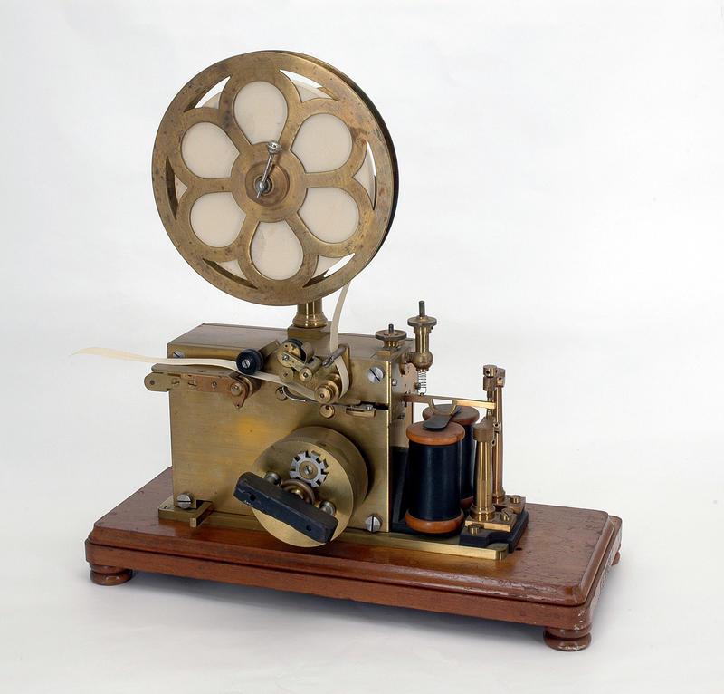 Telegrafstasjoner. Lødingen Morseapparat (Foto/Photo)