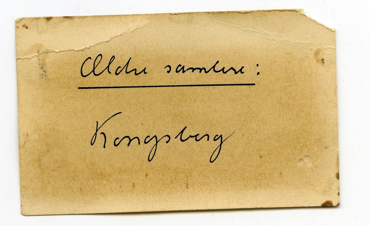 Tre prøver, alle med etikett: Kongsberg  Etikett i eske: Ældre samlere: Kongsberg