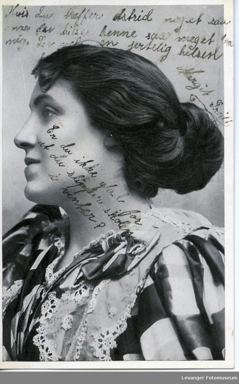 Postkort portrett av forfatteren Virginia Wolf