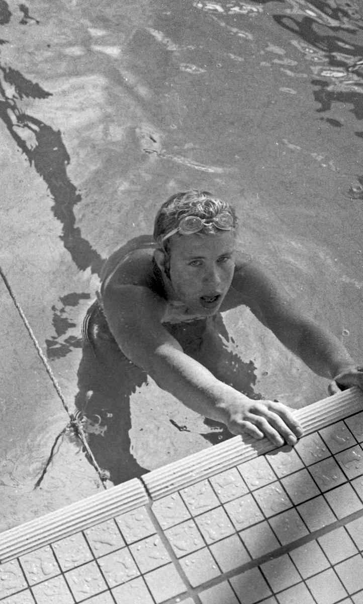 Svømming. Svømmere i aksjon.