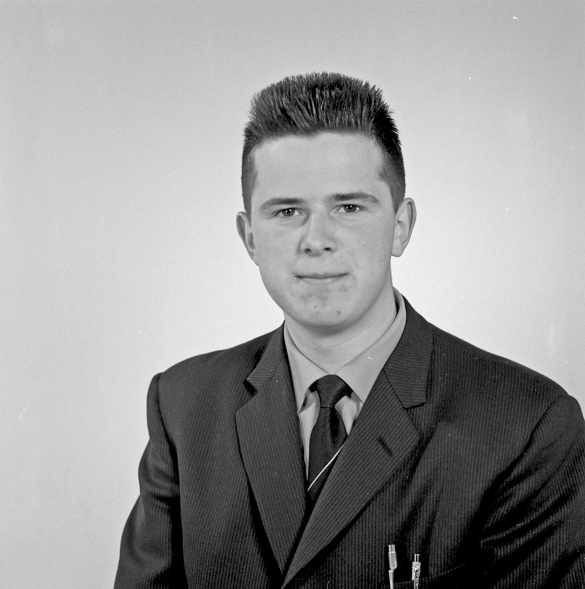 Portrett - ung mann - bestiller Olav M. Gaard