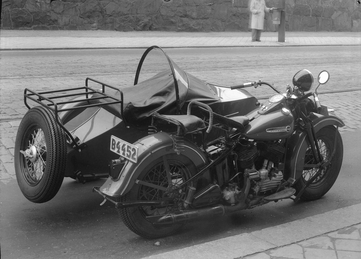 Harley Davidson. 74 cubic inch (1200cc) sidventil, 1947 års modell.