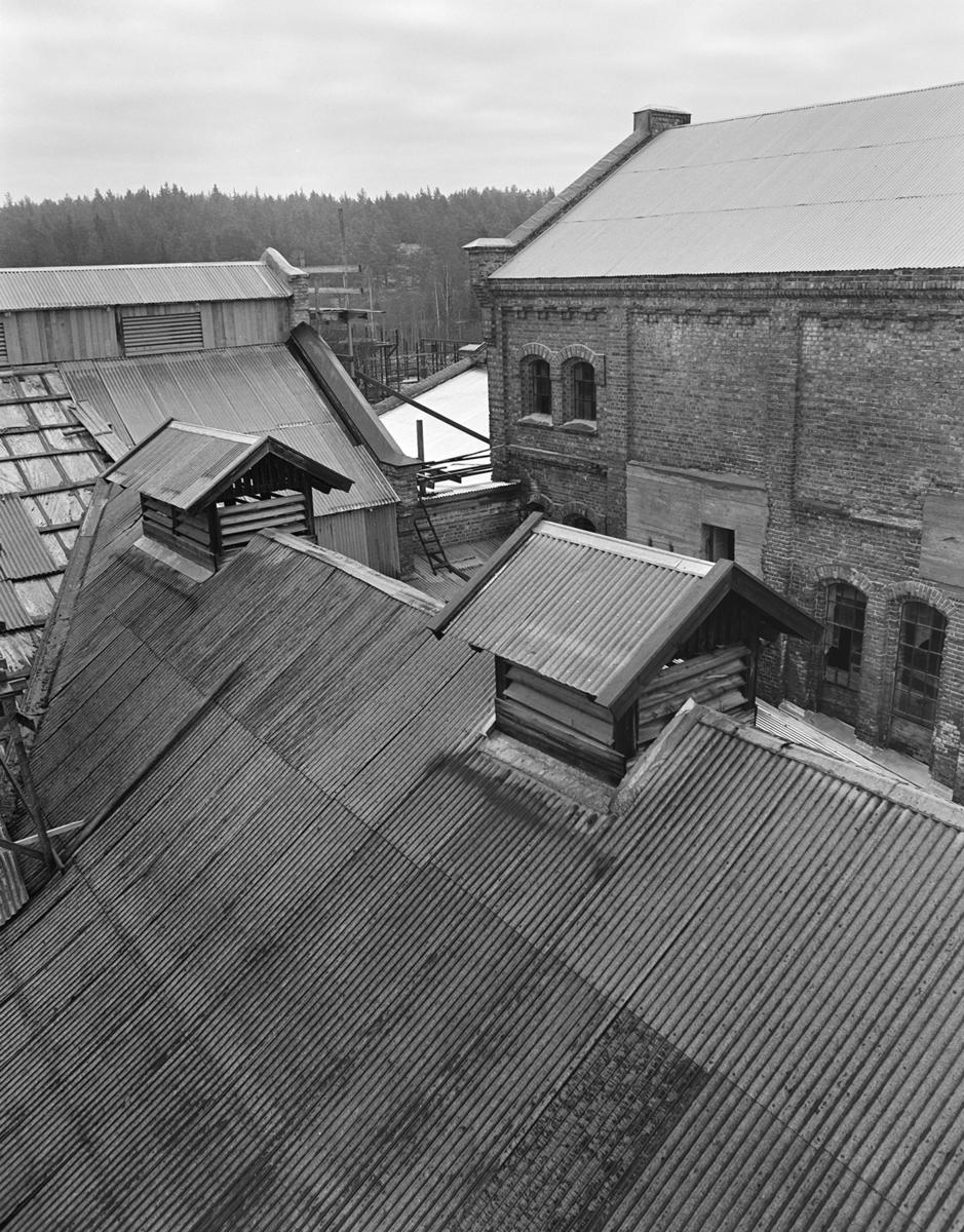 Klevfos Industrimuseum, Klevbakken, Ådalsbruk, Løten. Eksteriør, restaurering, oversikt tak, bygninger.