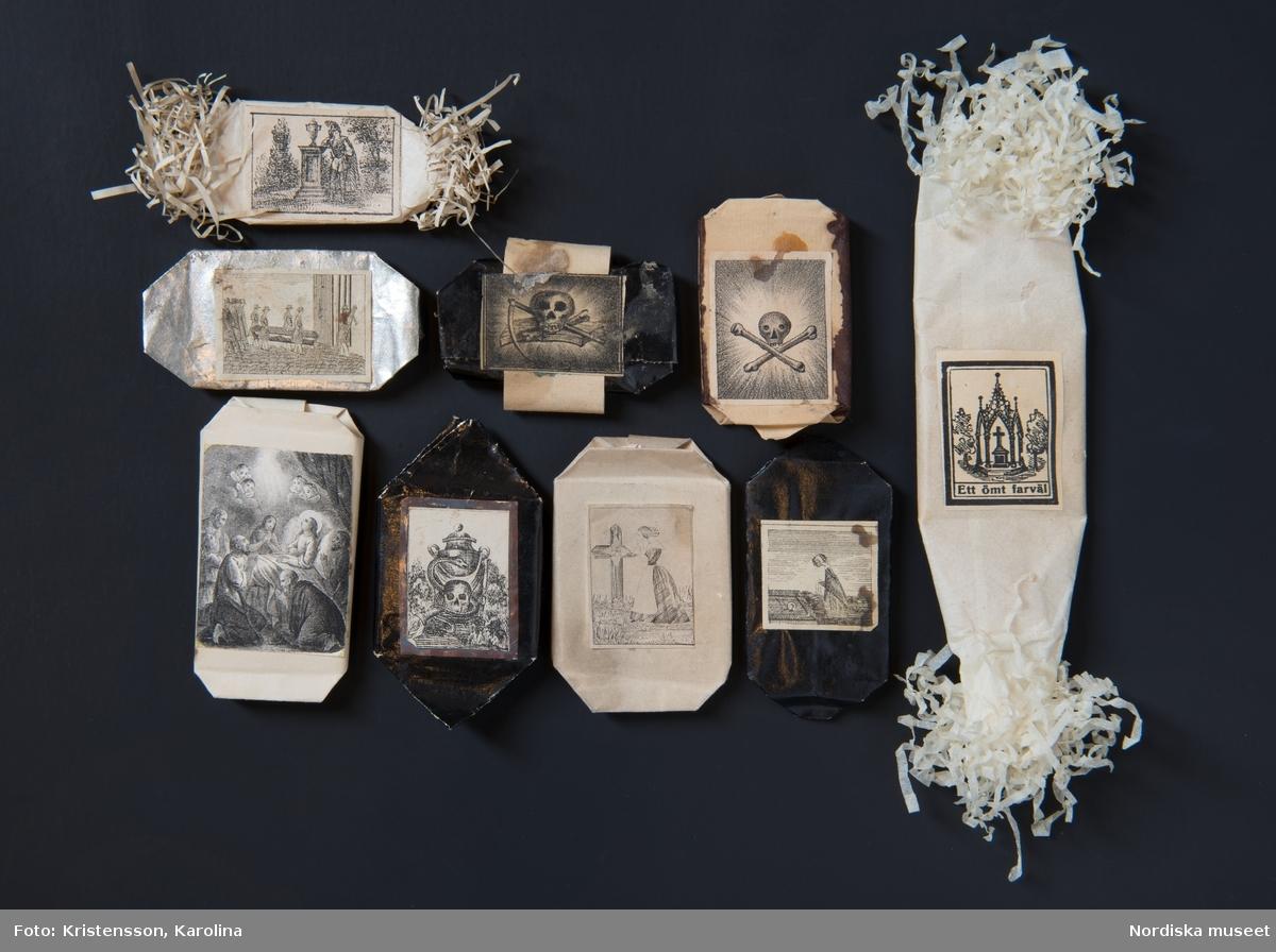 Sorgekarameller, begravningskonfekt, fotograferade för boken Socker och söta saker.