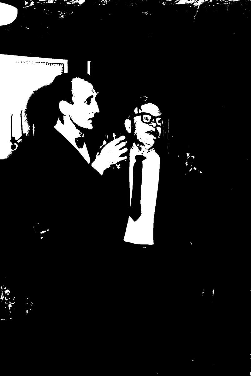 """Omkring jul varje år samlades företagsnämnden, årets pensionärer och de som fått pris i tävlingen """"Min idé"""" (inlämnade förslag på förbättringar, lösningar m m till järnverksledningen). Alvar Dahlborg till vänster (arbetade i martinverket), mannen till höger okänd. Foto taget på värdshuset."""