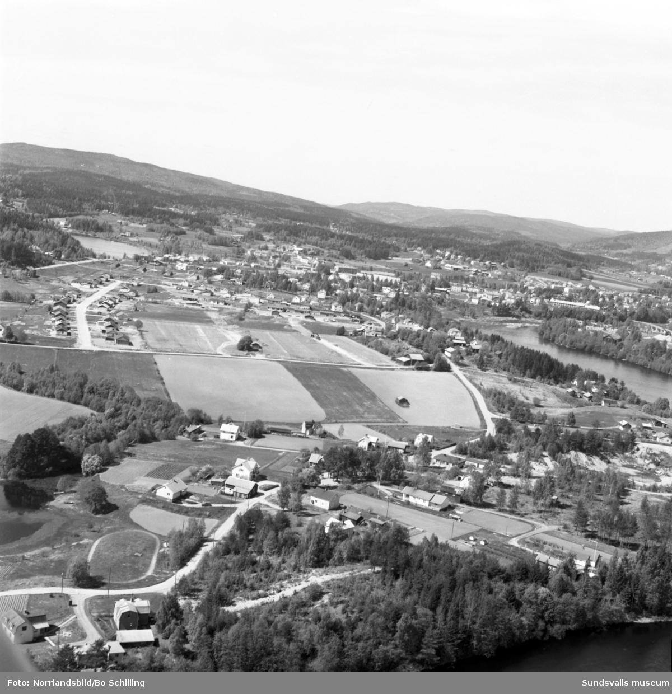 Flygfoton över Bällsta i Matfors. Nya villor vid Tångstavägen.