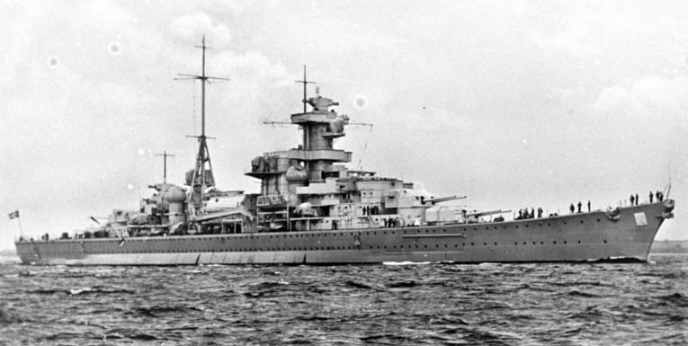 Krysseren Blücher til sjøs. Foto: Deutsches Bundesarchiv (CC BY-SA), via Wikimedia Commons.