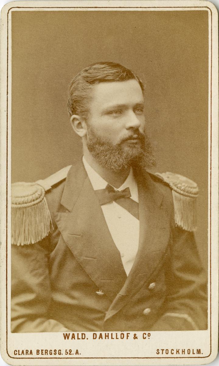 Porträtt av Sven Gustaf Westman, underlöjtnant vid Flottan.