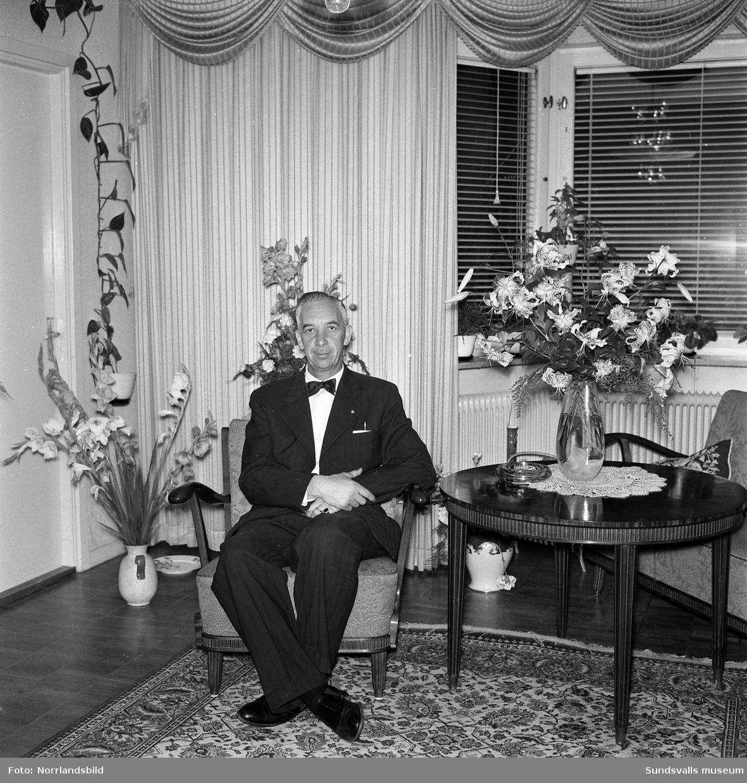 Herr Jonsson, Livförsäkringsbolaget Trygg, porträttfoto på 50-årsdagen.