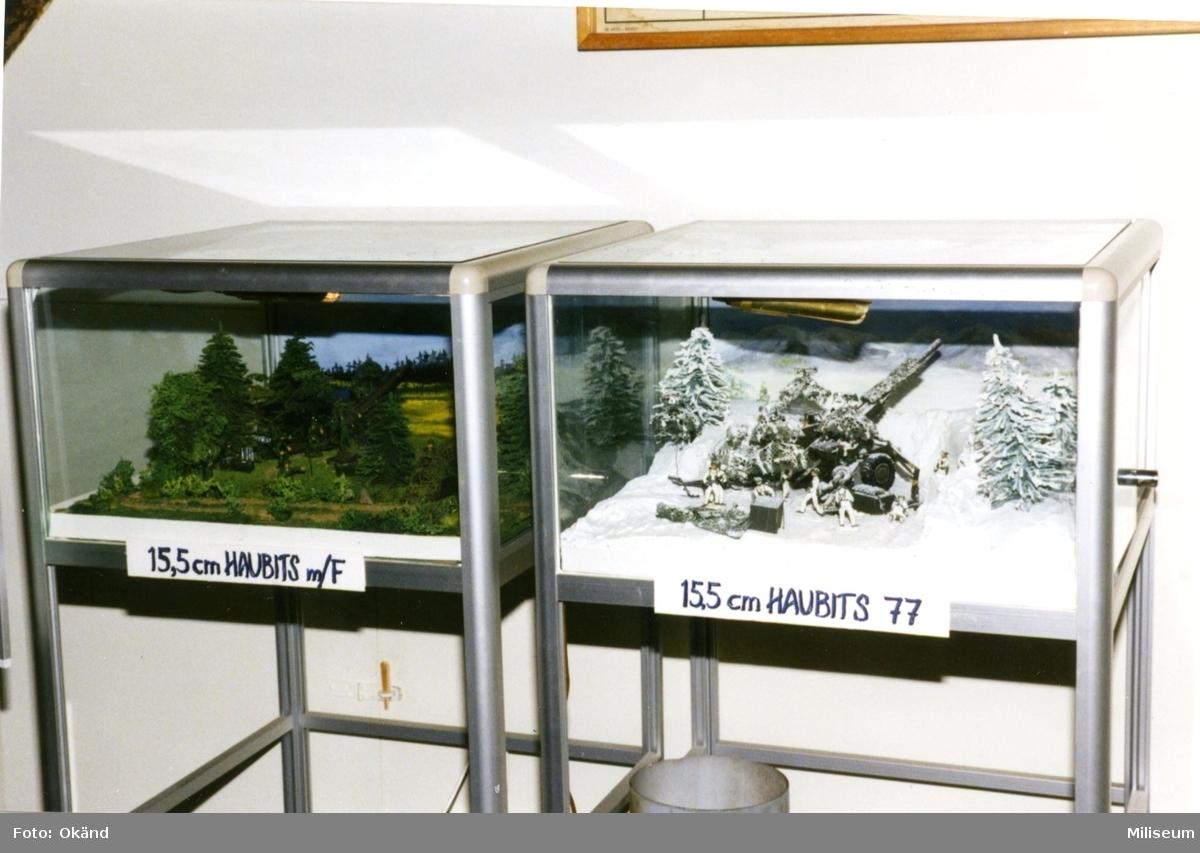 Försvarshistoriska muséet, Jkpg. Utställn.monter, Haubits.