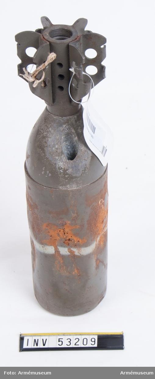 Grupp E V, F III, G III. Blind. Har varit sammanställd med andra ammunitionseffekter; alla blinda men märkta som skarp ammunition.
