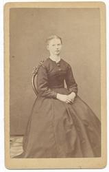 Fru Emilie Arnesen, portrett