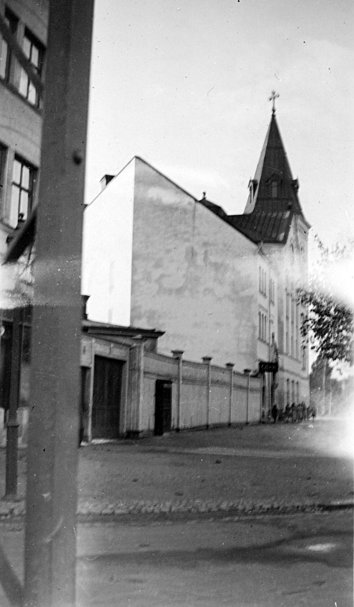 Immanuelskyrkan vid hörnet av Brynäsgatan och Södra Fiskargatan.