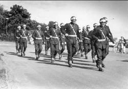 Regementets avsked av Skövde. Paraderande trupp söder livhus