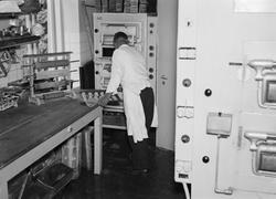 """Hotellbolagets bageri i nya moderna lokaler"", Uppsala 1941"