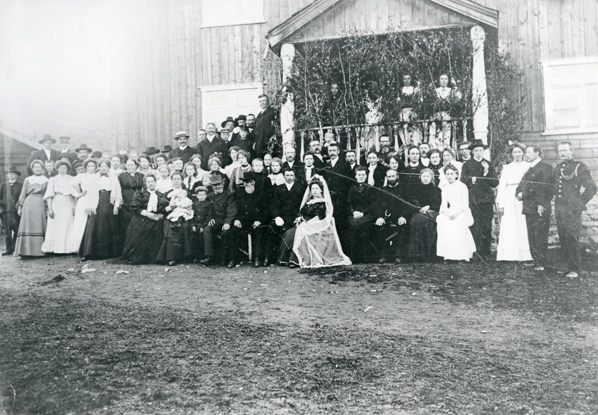 Brudegjester til Ingeborg Hoff og Olaf Frydenlund, 1905.