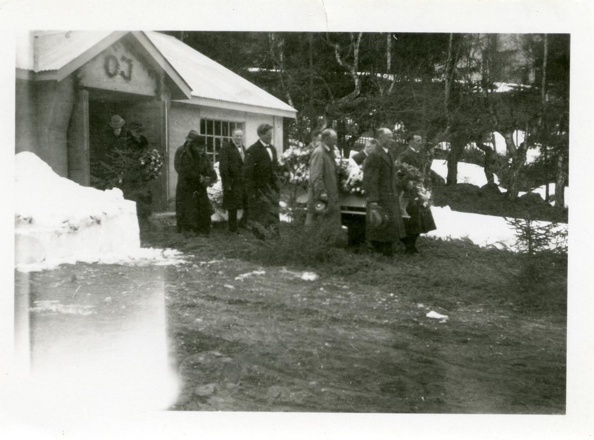 Frå Ole Islandsmoens gravferd, april 1939.