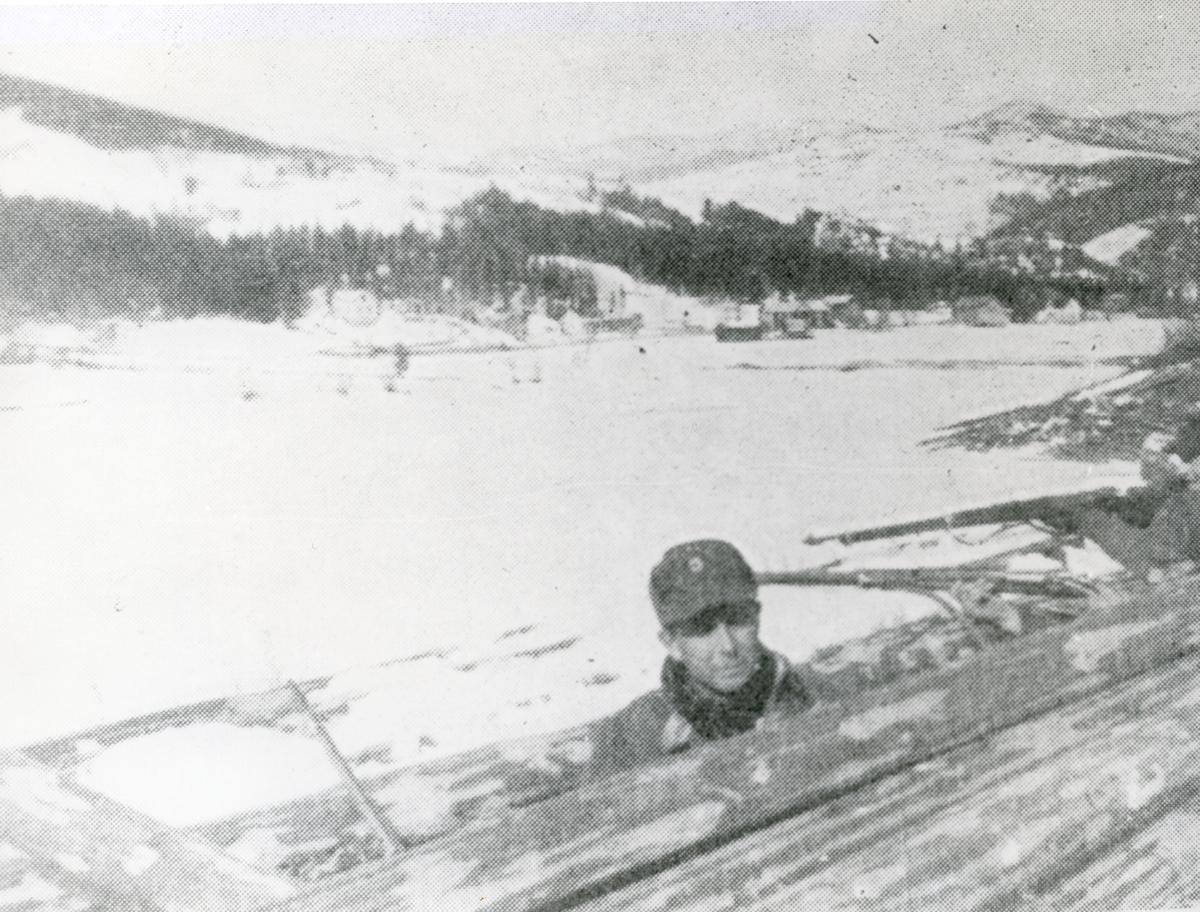 Norsk soldat i stilling på Prestegardsodden 18.april 1940.