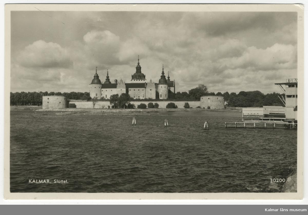 Kalmar slott, från kallbadhusets anläggning som skymtar till höger.