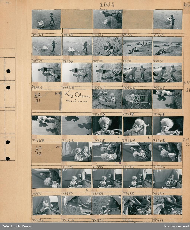 Motiv: Strandbaden, Gunnar Olson, Kaj Olson; Ett barn leker med en modellbåt på en badstand, människor solar och badar på en badstrand, en man och ett barn på en badstrand.  Motiv: Kaj Olson med mor; Ett barn sitter i en leksaksbil, en man och ett barn gör skuggor på en vägg, ett barn med en leksaksfiol.  Motiv: (ingen anteckning) ; En kvinna och ett barn som äter och sitter på en balkong, en man knyter sin slips, personer sitter på en filt och spelar kort.