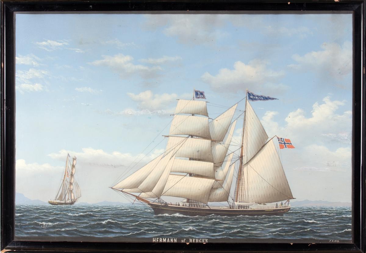 Skipsportrett av skonnertbrigg HERMAN (HERMANN) av Bergen. Viser skipet sett fra side og akter. På fortopp flagg X JQHM i blått med rød/hvit kant. Unionsflagg under gaffelen, navnevimpel på mesanmasten.