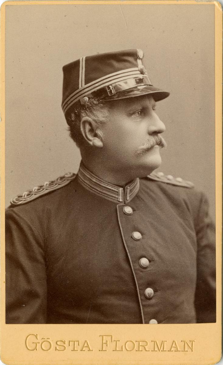 Porträtt av Osvald Teodor Falk, kapten vid Västernorrlands regemente I 21.