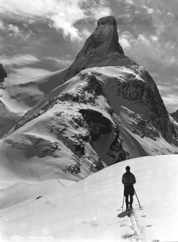 Romsdalshorn fra Kammen 1927 (Foto/Photo)