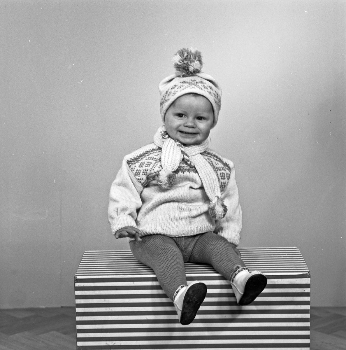 Portrett liten gutt - bestiller Olaug Stavenes