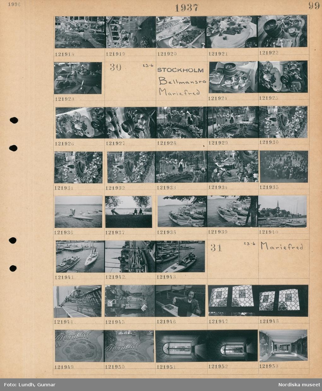 Motiv: Bellmansro 916- ; En kvinna i historiska kläder vattnar blommor, uppläggningsfat med mat.  Motiv: Stockholm, Bellmansro, Mariefred; Mat upplagd på en buffé, kvinnor står vid en damm, en folksamling, en man med en kanot, två män sitter på en bänk  vid vattnet, en hamn med båtar.  Motiv: Mariefred; Två män vid en bensinpump, en kvinna vid en entré, blyinfattade fönster, vy över en park, interiör av ett slott.